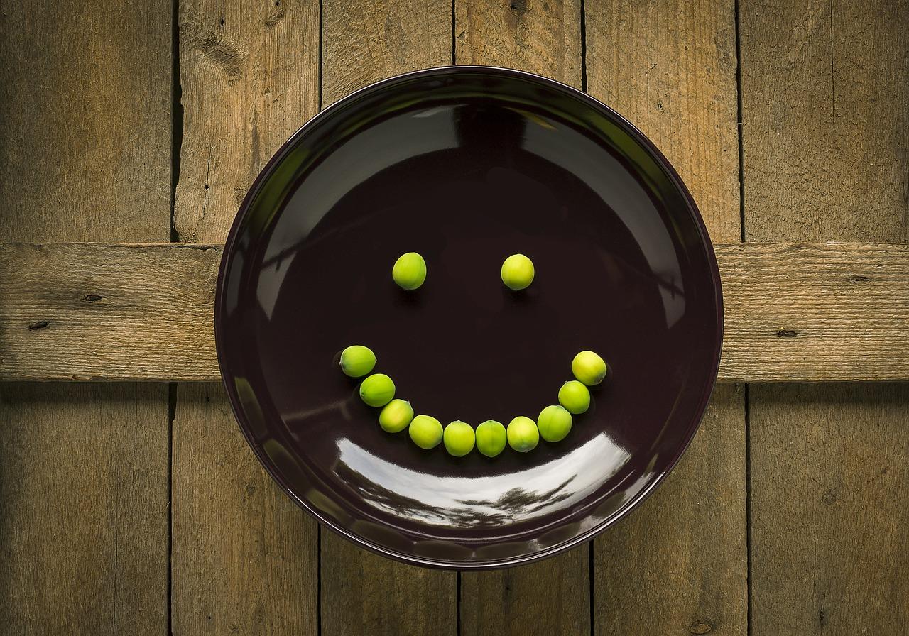 ミール皿(セッティング台)を使ったUVレジンの基本の作り方