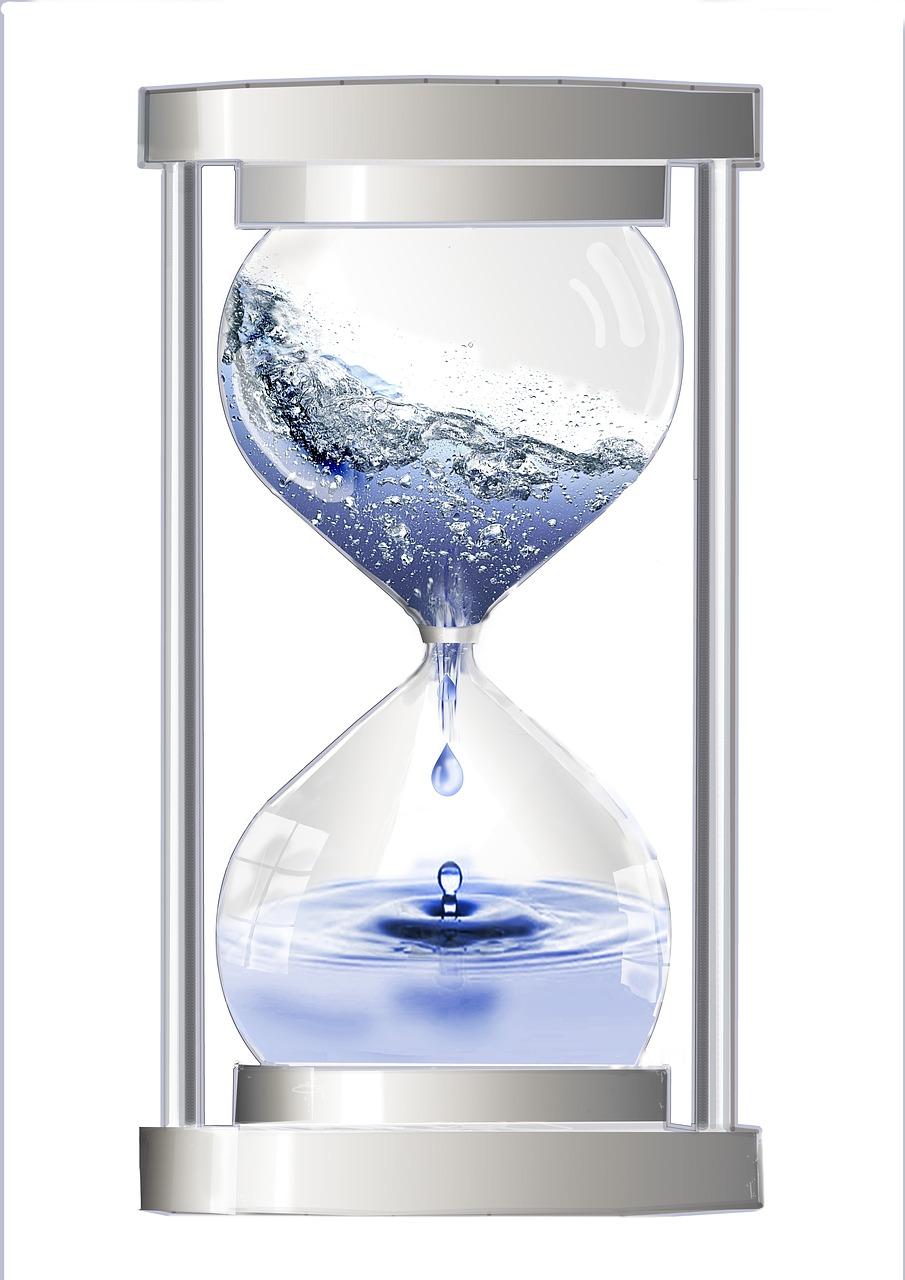 UVレジンは水分に弱い?水の代わりに閉じ込める代用品